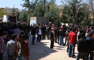 Pazarcık'ta CHP'liler adliyeye yürüdü