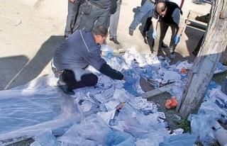 Çöplükten mühürlü oy pusulaları çıktı