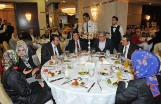 Avukatlar, Kupalarını Başkan Erkoç'tan Aldılar