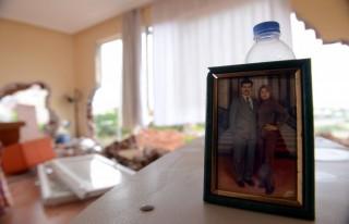Boşanmak istediği eşi evin duvarlarını yıktırdı