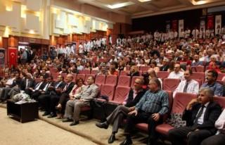 Tıp öğrencileri törenle beyaz önlük giydi