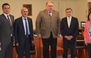Letonyalı Rektörden İşbirliği Teklifi