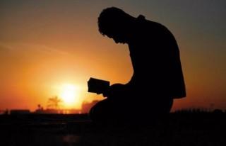 Kur'an'da tavsiye edilen 40 yaş duası