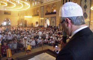 Abdulhamithan Camii'nde namaza başladılar
