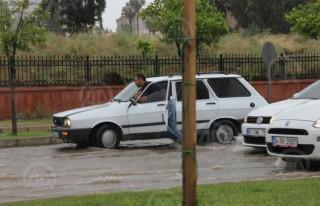 Adana'da metrekareye 78 kilogram yağış