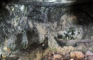 Kaya mezarlarda, 300 bin yıl öncenin izleri var