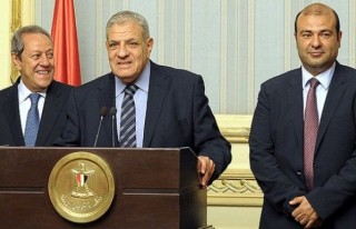 Mısır'da yeni hükümet yemin etti