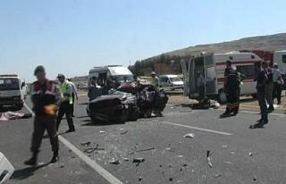 İki ayrı kazada 9 kişi hayatını kaybetti