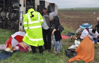 Ankara'da yolcu otobüsü devrildi: 45 yaralı