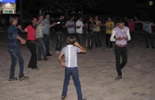 Suriyeli Gençler Araban İlçesinde Evlendi
