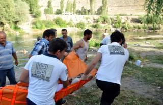 Elbistan'da nehire giren genç boğuldu