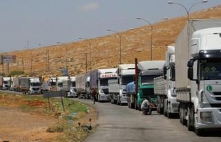 Irak'taki mültecilere 20 tır malzeme