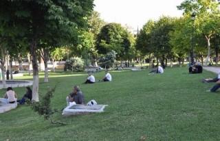 Vatandaş, Parklara Akın Etti
