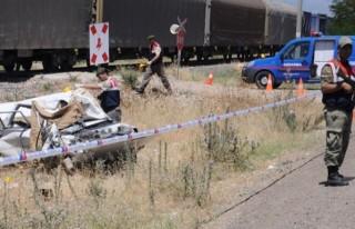 Kahramanmaraş'ta tren otomobile çarptı: 1 ölü,...