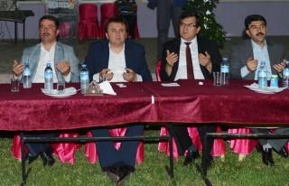 Mobil Mutfak Tırı Türkoğlu'nda İftar Dağıttı