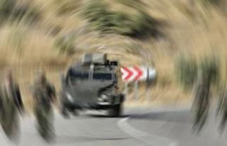 Askeri araç devrildi: 25 yaralı!