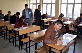 Elbistan'da ilk kez, AÖF sınavı yapıldı