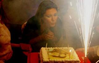 Tuğba Altıntop'a süpriz doğum günü!