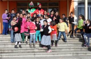 Öğrenciler Hacivat-Karagöz'le tanıştı..