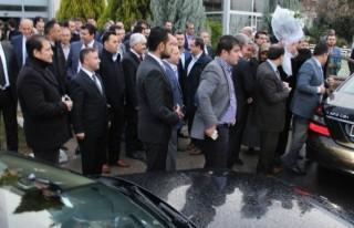 Başbakan Davutoğlu'nun uçağına sis engeli