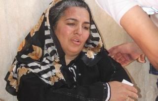 Annesi Adliye Önünde Darp Edilince Gözyaşlarına...