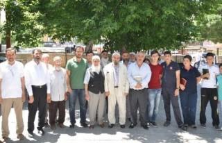 AGD, Uygurlar İçin Gıyabi Cenaze Namazı Kıldı