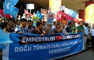 Doğu Türkistan İçin Tek Yürek Oldular