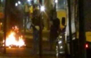 Göstericiler yolu kapattı!!