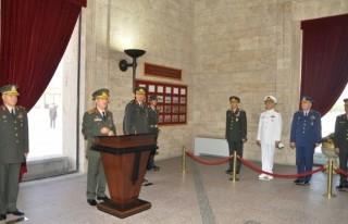 Genelkurmay Başkanı Akar Anıtkabir'i ziyaret...