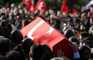 Diyarbakır'da askere bombalı saldırı: 1 şehit,...