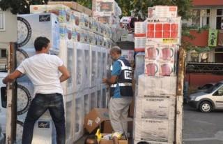 Çeyiz kamyonundan binlerce kaçak sigara çıktı!