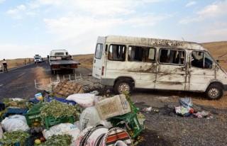 Şanlıurfa'da minibüs devrildi: 21 yaralı!