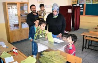 Türkiye'den renkli seçim manzaraları!