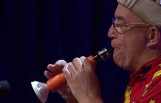 Havuçtan klarnet yaptı!