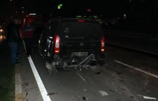 Trafik kontrolü yapan polise araç çarptı!