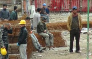 Kahramanmaraş'lı İşçiler Kurtarılmayı Bekliyor