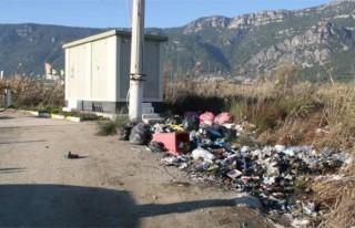 Türkiye'nin sörf merkezi çöplük oldu!