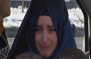 Kaza yapan kadın sürücü gözyaşlarına boğuldu!