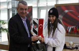 Genç atlet Beşiktaş'a transfer oldu!