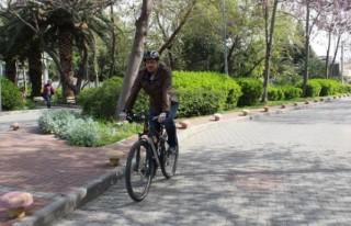 İzmir'de 5 bin kişi işe bisikletle gidiyor!