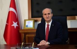 Dulkadiroğlu'ndan 140 Metrekarelik Türk Bayrağı!