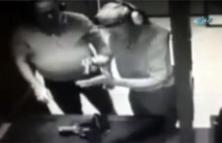 Tutukluk yapan tabancayla elini yaraladı!