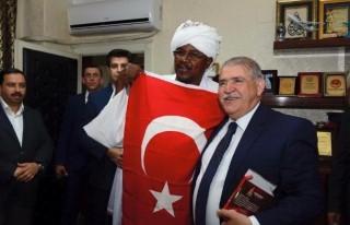 "Sudan Heyetinin ""Türk Bayrağı"" Sevgisi"