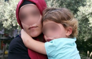 4 Yaşındaki Kızını Çöp Kamyonuna Attı!