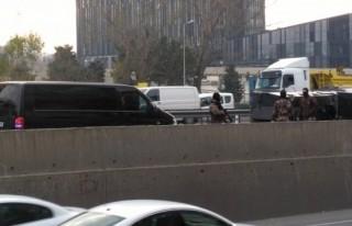 Özel harekat aracı yan yattı: 4 polis yaralı!