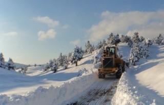 Büyükşehir ekipleri, kar yağışına karşı hazır!