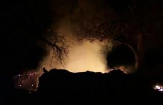 Yaşlı adam evinde çıkan yangında yanarak yaşamını...