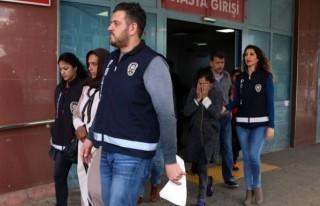Dilenci Kılığında Hırsızlık Yapan 3 Kişi Yakalandı!