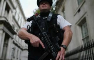 İngiliz İstihbaratı: İngiltere'de 23 bin potansiyel...