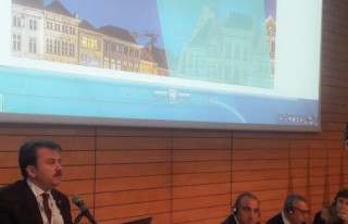 Başkan Erkoç, Belçika'da konferansa katıldı